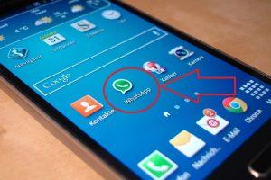 whatsapp se ha detenido inesperadamente solucion