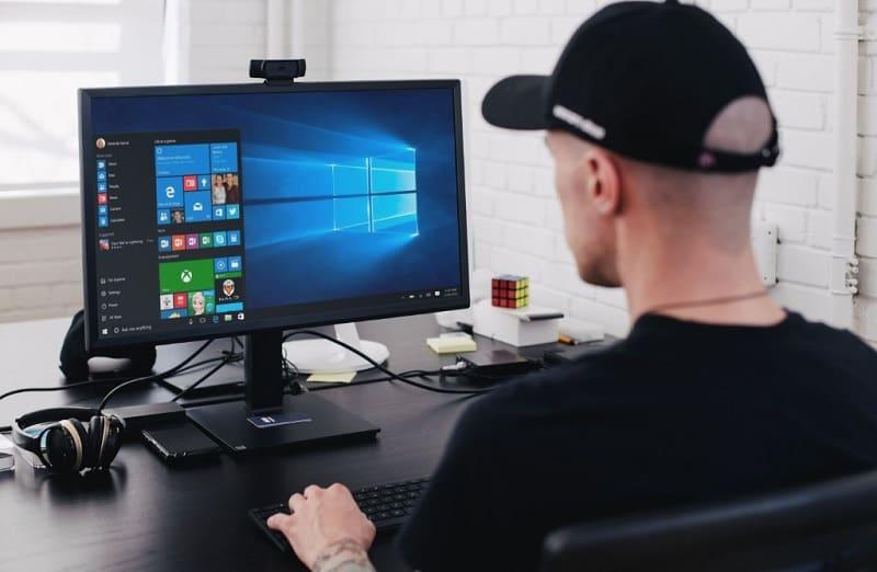 solucionar problemas de pantalla borrando la caché de windows 10.