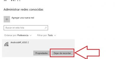 como eliminar un red wifi en windows 10