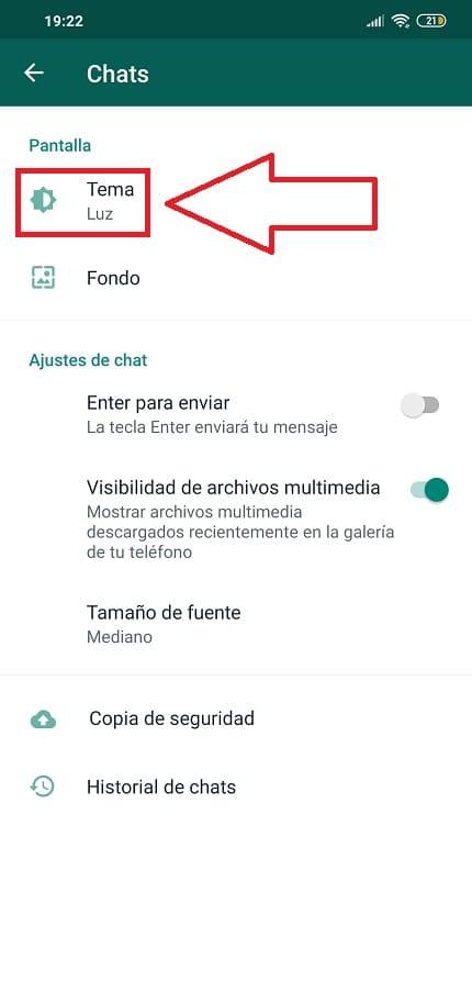 como poner en modo oscuro whatsapp