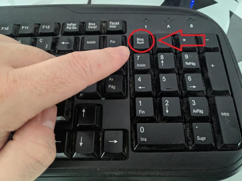 activar teclado numerico regedit