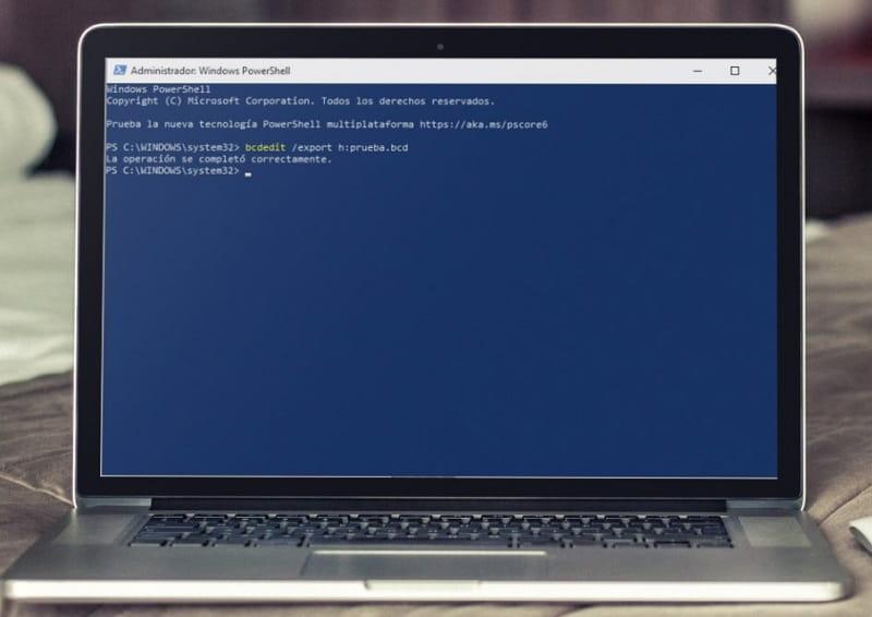 como hacer una copia de seguridad del arranque de windows 10.