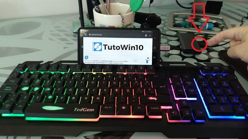 conectar teclado y raton al movil.