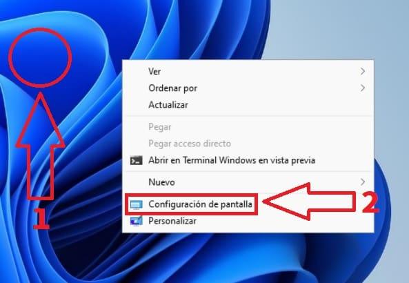 Ajustes de pantalla Windows 11.